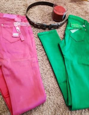 Pantalón vaquero de color