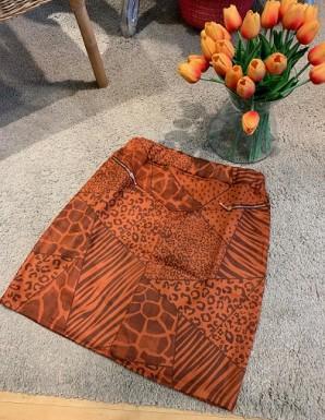 Falda corta marrón- Animal...