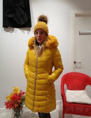Abrigo acolchado amarillo